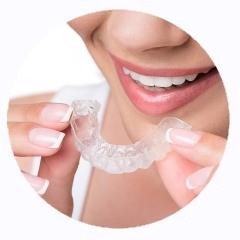 Ortodonzia con mascherine invisibili